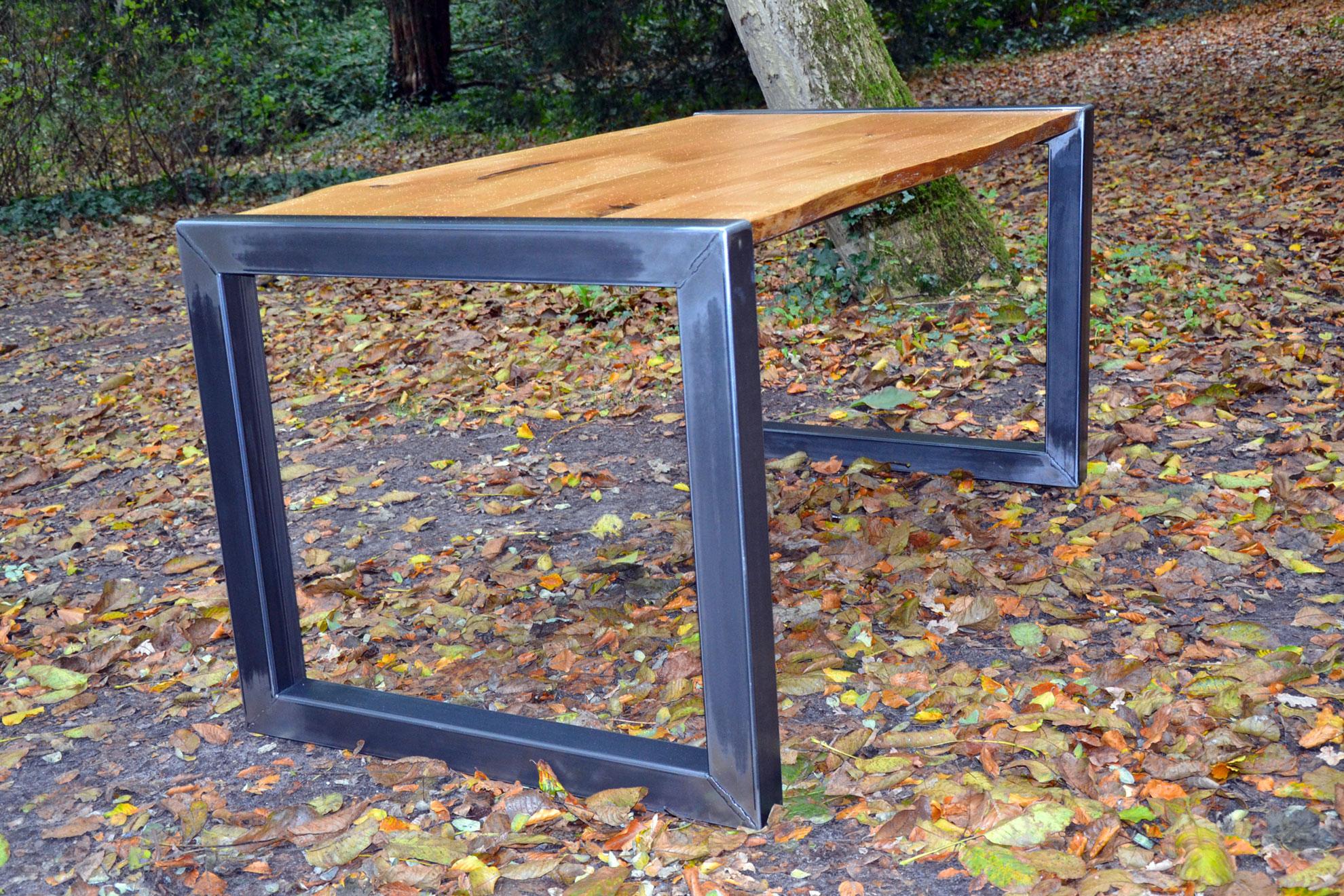 Eiken tafel uit eigen tuin meubelmarcker - Massief idee van tuin ...